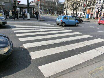 pedestrian-road-traffic-street-sidewalk-crossing-957257-pxhere.com
